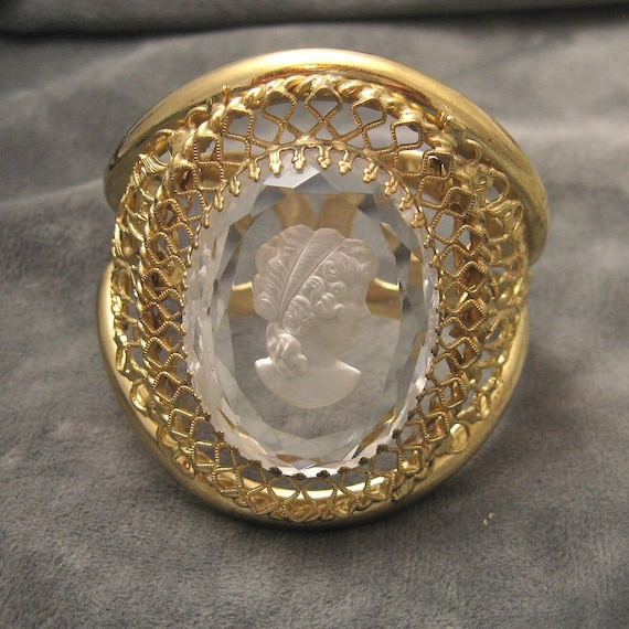 Vintage Bangle Bracelet Whiting Davis Massive Cameo B2965