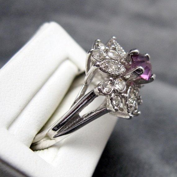 Vintage Rhinestone Ring Tall Purple R3075