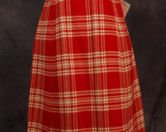SALE WAS 19 Super Preppy Vintage Skirt in Red Plaid
