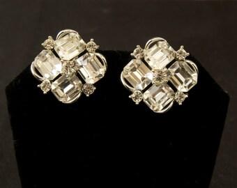 Fabulous Vintage Lisner Rhinestone Earrings
