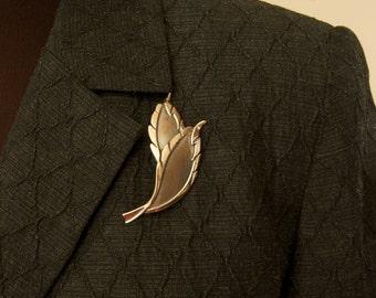Beautiful Vintage Double Leaf Pin Brooch