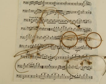 Lot of Old Spectacles Glasses