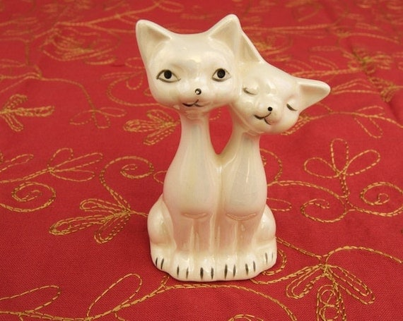 Vintage Kitty Duet Figurine