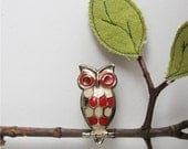 Vintage Mid Century Modern Owl Brooch - Red & White