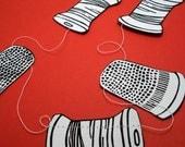 Thimbles and Spools Paper 8 ft Garland