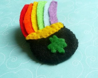 Pot of Gold Felt Pin