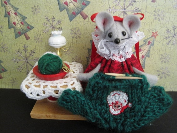 Felt Mouse Knitting a Sweater for Christmas