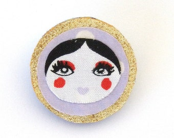 Doll face brooch Lilac polka dot