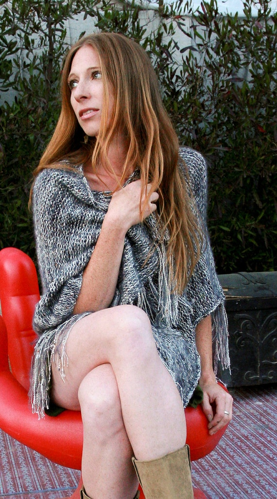 Grey and Cream Kid Mohair and Cotton Tweed V-shaped Wrap with Fringes