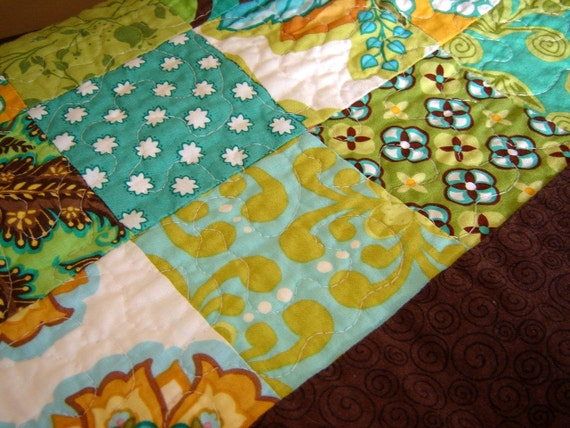 SALE Modern Floral Table Topper/Throw Quilt