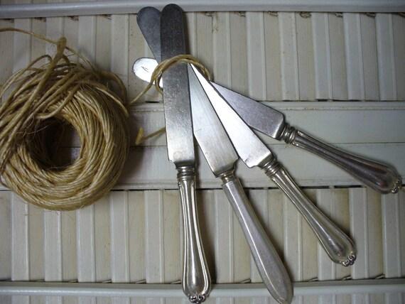 Set of 4 Vintage Knives