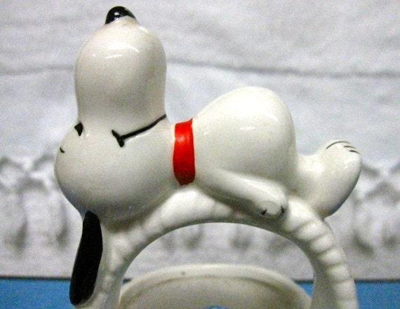 A Tisket, A Tasket, A 1977 Snoopy Easter Basket