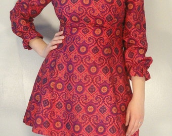 Bright Swirl and Medallion Printed Vintage Mini Dress 1970s