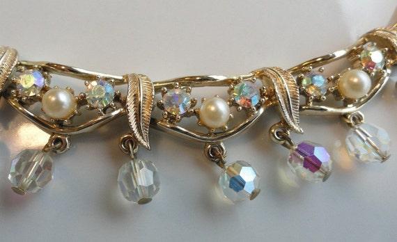 Beautiful Vintage Coro Necklace Gold Pearls Rhinestones Glass Bead Dangles