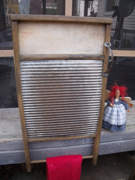anTiQue primiTive REpurposed X-Lg. WASHBOARD--REcycLed/UPcycLed to WaLL CaBiNeT-GreaT MEDICINE CaBiNeTs /SPICE CupBoards--anTiQue hanDLe
