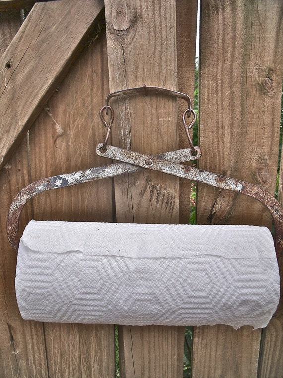 REcycLed primiTive anTique IcE TonGs PAPER TOWEL HOLDER with GreaT RusTy  SiLver paTina-plus roll of Bounty Basics paper towels