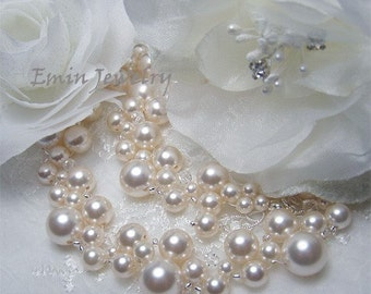 Ivory Pearls Wedding Necklace,Bridal Beaded Necklace, Off White Swarovski Pearls Swarovski Clear Crystal White Silver Bridal Necklace