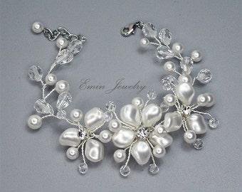 Pearl Bridal Bracelet, Ivory Pearl Wedding Bracelet,White Swarovski Crystal Pearls Wedding Jewelry, Wire Wrapped Floral Cuff Bracelet 121801