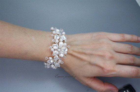 Luxury Swarovski White Pearls Crystal Rhinestone Silver Bridal cuff Bracelet