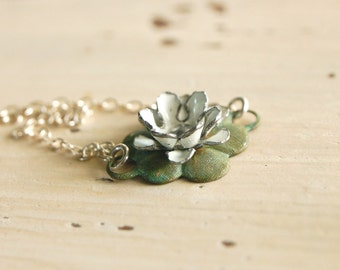 waterlily (white) - shabby style vintage enamel flower verdigris lotus lilypad sterling silver necklace
