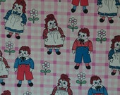 Raggedy Ann & Andy Curtain - Vintage Fabric Juvenile Dolls Daisies Novelty
