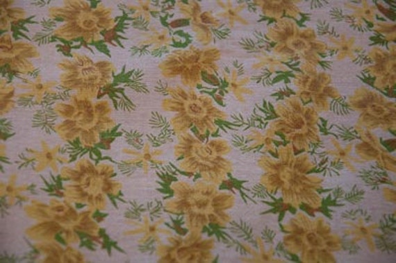 Pretty Yellow Cottage Floral - Vintage Fabric Full Feedsack 30s 40s Novelty