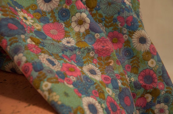 Whimsical Mod Cottage Floral- Vintage Fabric Garden Daisies NOS 60s 70s (Reserved)