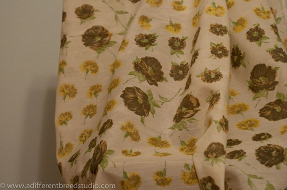 Beautiful Shabby Chic Cottage Floral- Vintage Fabric Garden Floral Roses New Old Stock 60s 70s
