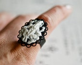 Ganesha Ring - White Black Hindu God Cameo - Matte Black Lace 25x18mm setting