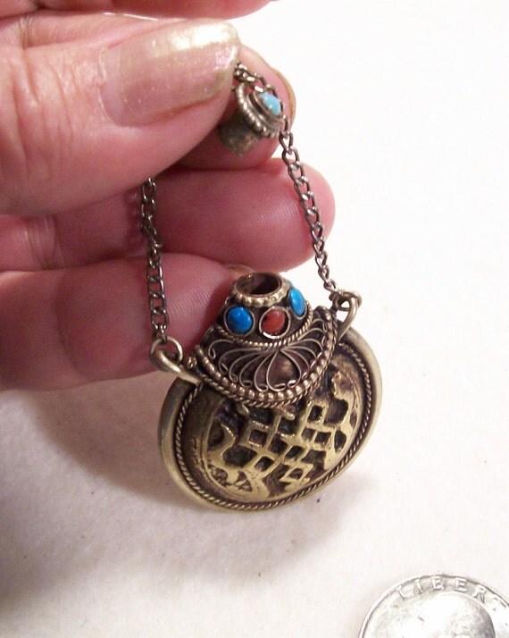 Snuff Bottle Tibet Nepal Spiritual Amulets Pendants