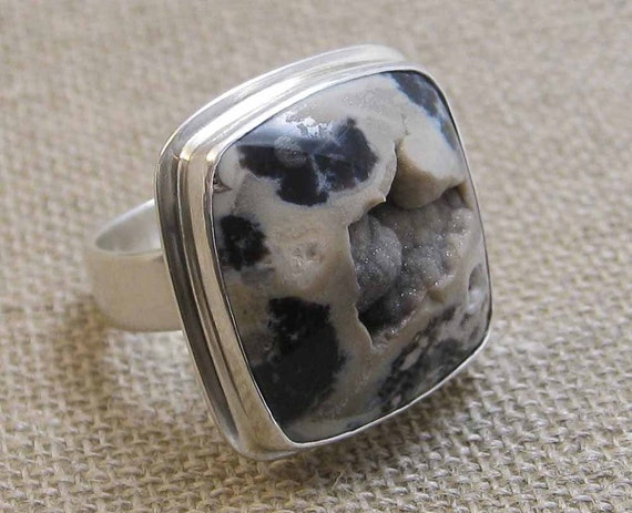 Drusy Stone and Sterling Silver Ring in Size 6.50