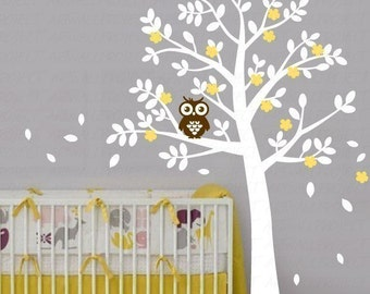 Wall Art Vinyl Removable Decal Nursery Sticker - Rounded Leaf Tree with Owl