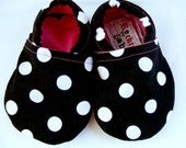 Classic Polka Dot Baby Booties 0-6 Months - infant size 2