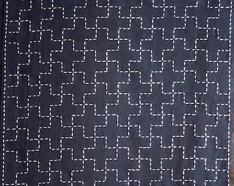 Japanese sashiko fabric - Jujitsunagi (Linked Ten Crosses) panel number 208