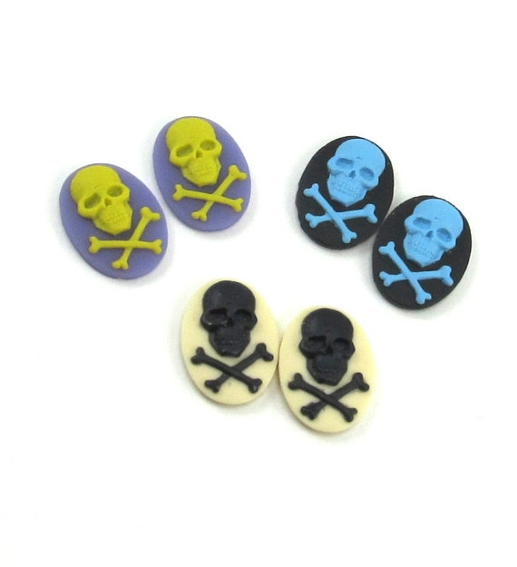 6 Destashed Gothic Skull and Crossbones Cameos 18x13mm - ASSORTED COLORS