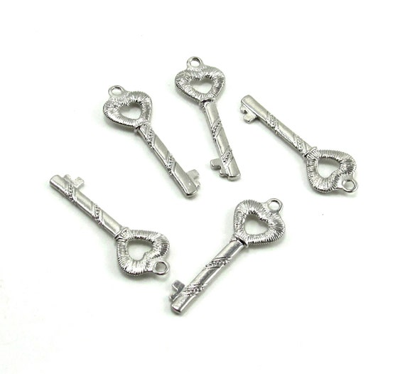 5 Bright Silver Plated Key Charms with Heart Tips