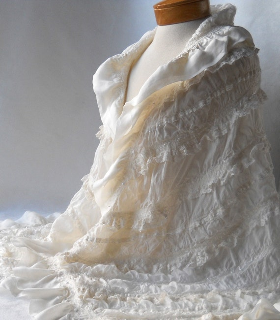 Bridal wrap or shawl in ivory and lace