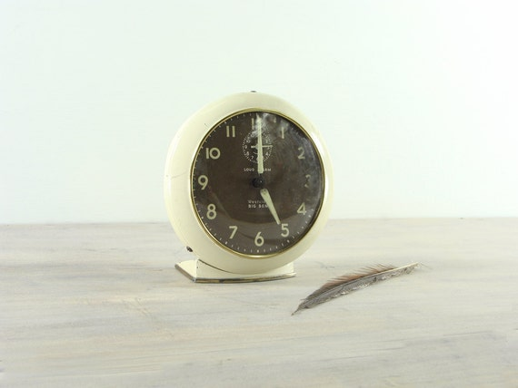 Vintage Cream Colored Westclox Big Ben Alarm Clock