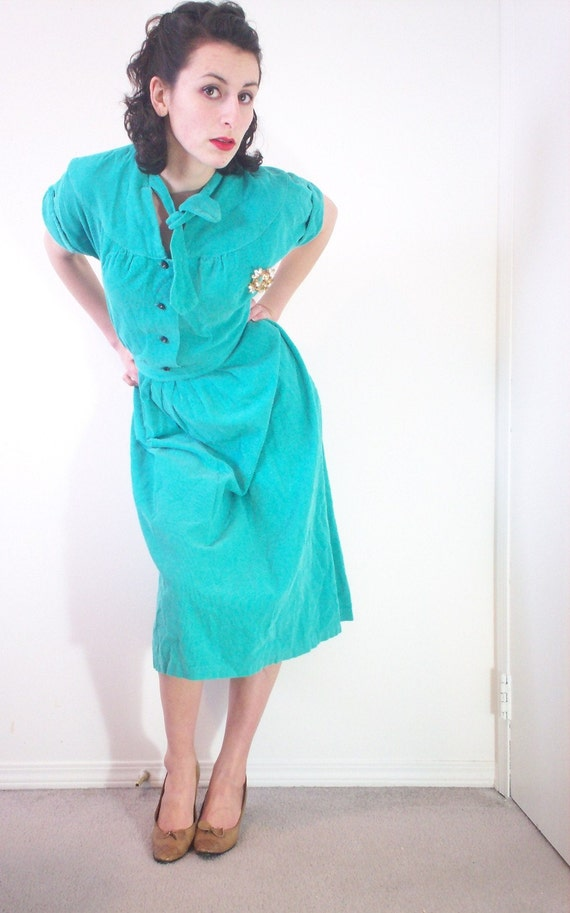 CLEARANCE SALE Vintage corduroy green dress 40s