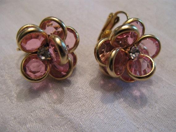 Retro Pink Flower clip earrings