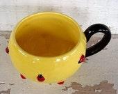 Shiny Yellow-Glazed Dept56 (Retired) SPHERICAL Mug Swarming with Bright RED & Black LADYBUGS - Hard to Find - (epsteam vintage)