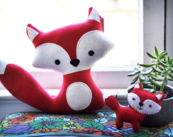 Plush Red Foxes - Mommy and her Baby
