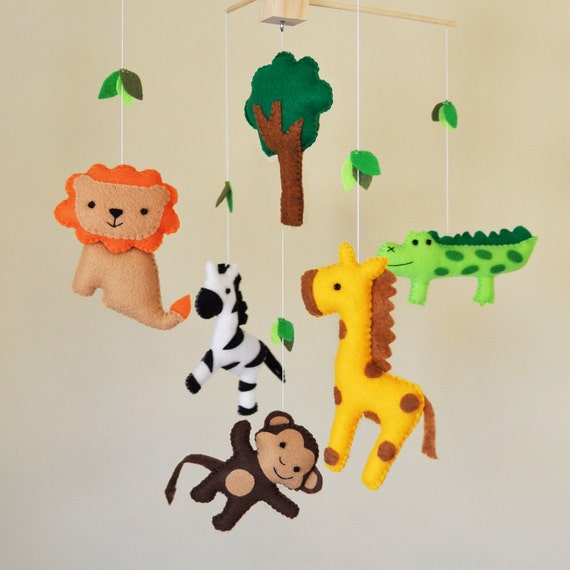 hanging jungle safari baby mobile eco friendly giraffe. Black Bedroom Furniture Sets. Home Design Ideas