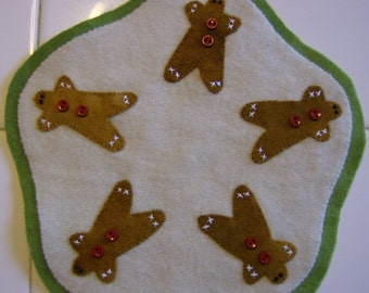 Gingerbread man wool candle mat