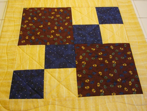 Mittens Table Quilt   CLEARANCE