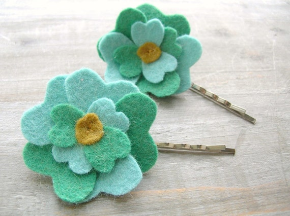 SALE Women's Felt Flower Hair Pin Set // Soft Jadeite and Aqua Mint // Bridesmaid Hair Accessory by OrdinaryMommy on Etsy