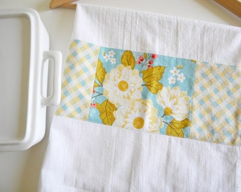 Kitchen Towel in Floral Promenade Patchwork - Blue