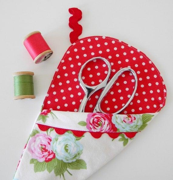 Scissor Sleeve -  Bijou in White and Red