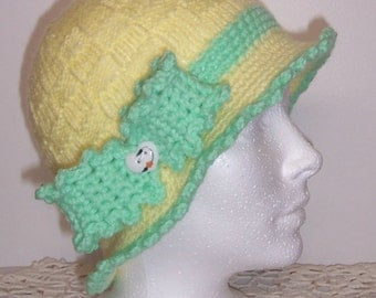 OOAk hand knitted childrens cloche hat girls