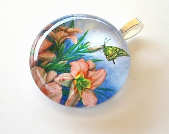Pink Daylily Butterfly Pendant Jewelry Round Art Glass